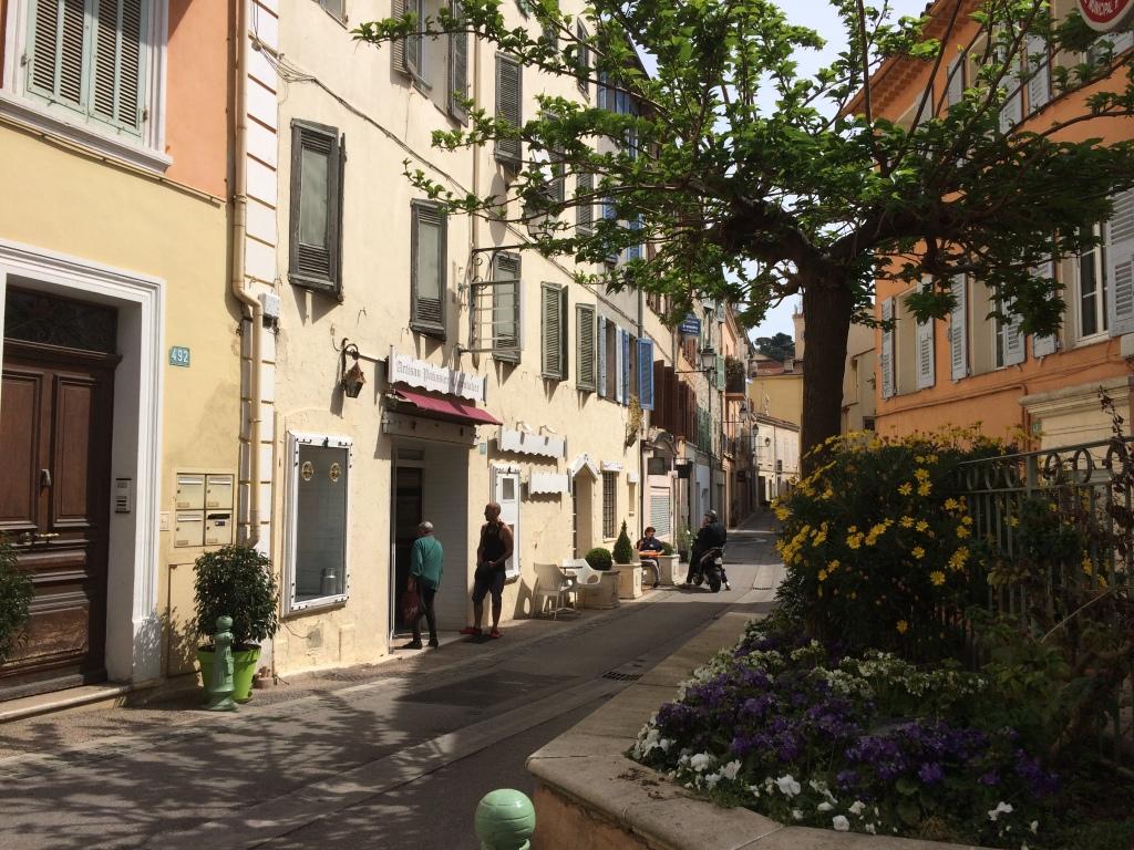 Rue Saint Sauveur Le Cannet