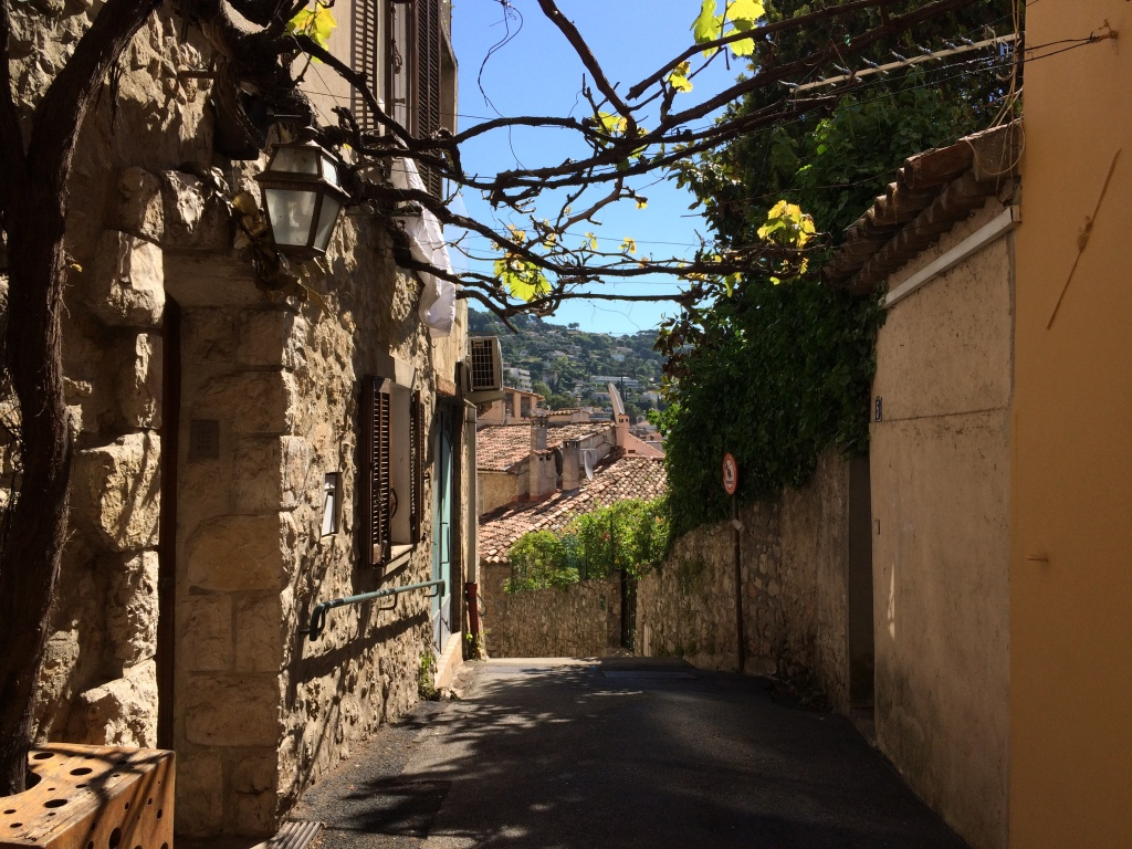 The quaint back streets of Le Cannet
